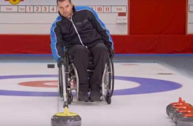 Ga gewoon met je rolstoel het ijs op voor een potje curling afbeelding nieuwsbericht
