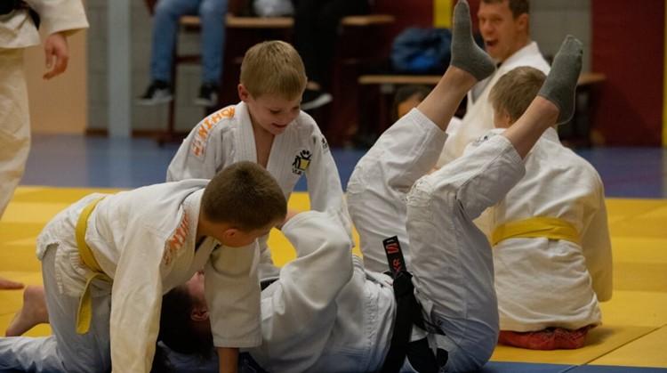 """""""Met judo leer je sneller met elkaar omgaan"""" afbeelding nieuwsbericht"""