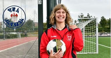 Afbeelding Rosalie is fanatiek voetballer en supporter