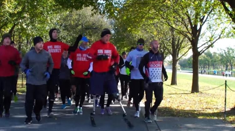 Deze oorlogsveteraan rende 31 marathons in 31 dagen afbeelding nieuwsbericht