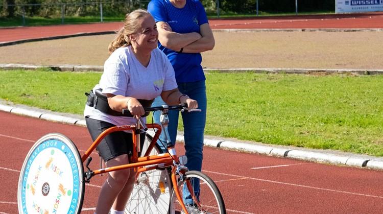 """Sigrid: """"Gaaf een eigen racerunner!"""" afbeelding nieuwsbericht"""