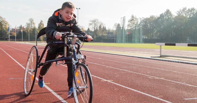 Racerunners snellen over de baan bij atletiekvereniging Cifla afbeelding nieuwsbericht