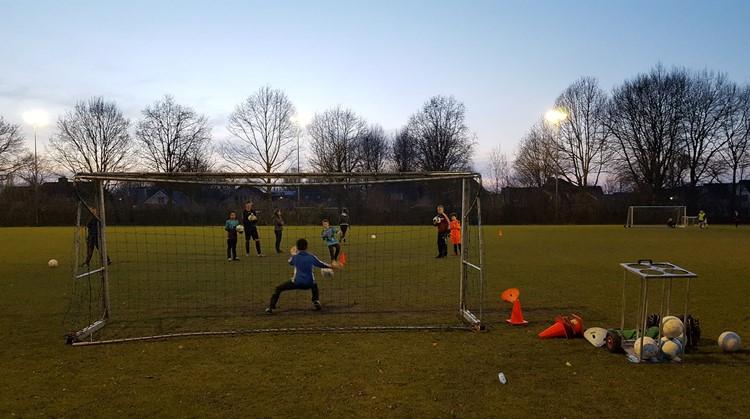 """Proeftrainingen """"Passend voetbal"""" bij voetbalclub Jong Oranje in Berkel Enschot afbeelding nieuwsbericht"""