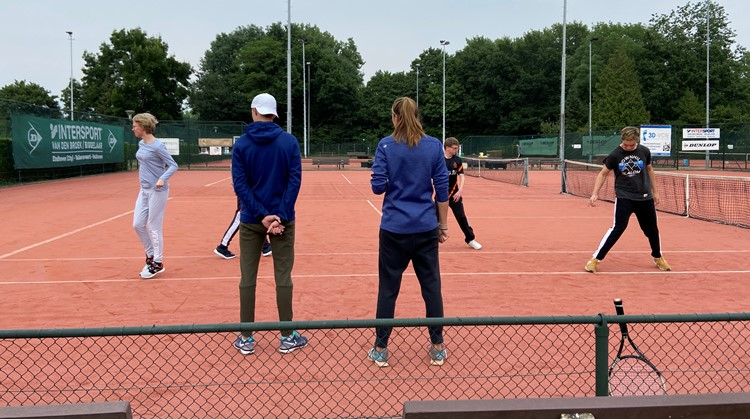 Uniek Tennis voor jongeren bij Amjoy! afbeelding nieuwsbericht