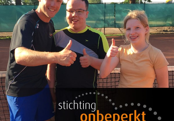 Leerlingen brede zorgschool De Cambier in Tiel maken kennis met tennis afbeelding nieuwsbericht