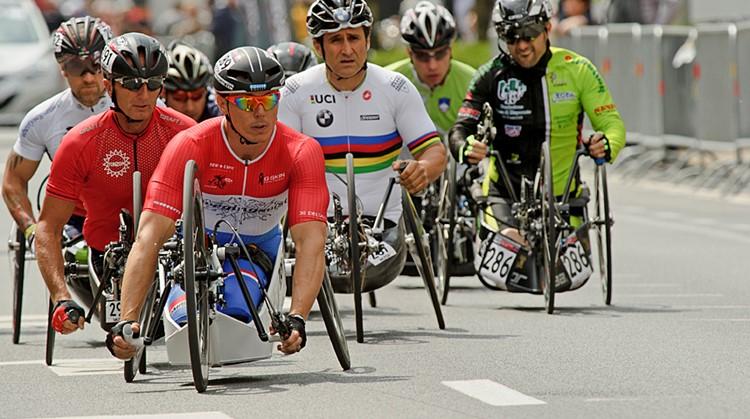"""""""Door sport kun je je grenzen verleggen, dat is het mooie aan para-cycling"""" afbeelding nieuwsbericht"""