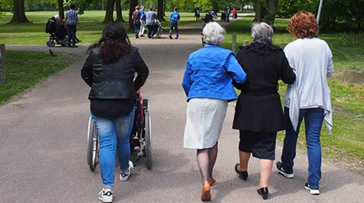 """Nieuwe wandelapp """"Wandelen in de Wijk"""" beschikbaar. afbeelding nieuwsbericht"""