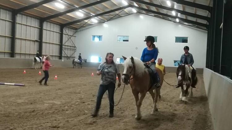 Op maandag en dinsdag nog plekken vrij bij Stichting Paardrijden Gehandicapten 't Ros Beyaert in Dirkshorn afbeelding nieuwsbericht