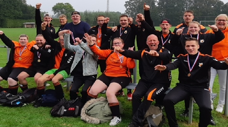 G-Voetbal team ZVV'56 gaat voetbalseizoen flitsend van start! afbeelding nieuwsbericht