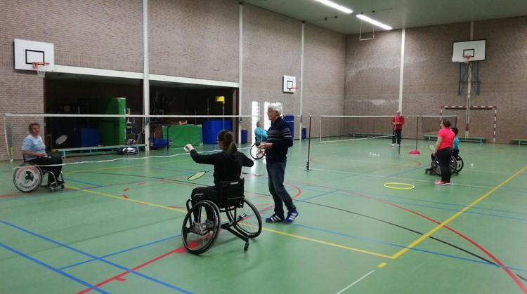 Start sportseizoen: rolstoelbadminton in Hoofddorp afbeelding nieuwsbericht
