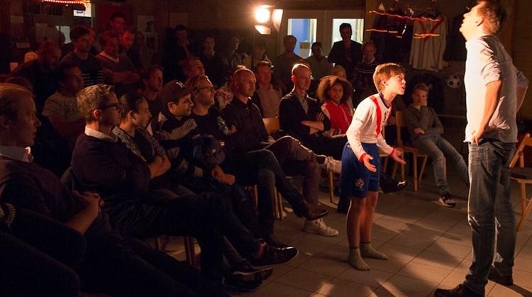 Humoristische voorstelling voor ouders en coaches: Pap, doe normaal! in Tilburg afbeelding nieuwsbericht