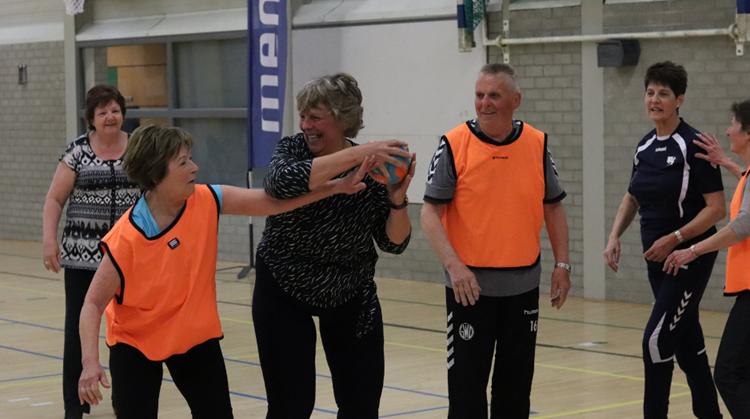 Handbalvereniging DSS organiseert try-out OldStars walking handball afbeelding nieuwsbericht