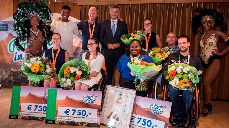 Huldiging Rotterdamse paralympiërs op het ss Rotterdam afbeelding nieuwsbericht