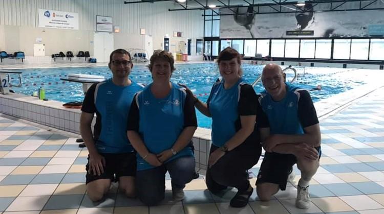 Vandaag is buurtsportcoach aangepast sporten uit Vianen wezen kijken bij Zwemvereniging H2O afbeelding nieuwsbericht