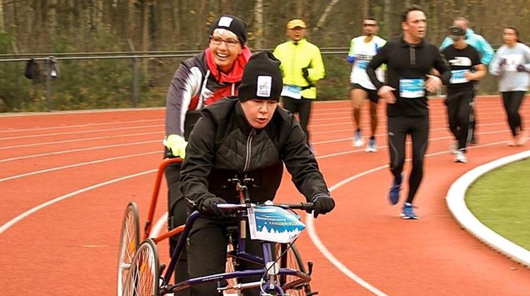 Uniek Sporten Paraloop nieuw onderdeel bij 48ste Riemersma Leasing Kangoeroeloop afbeelding nieuwsbericht
