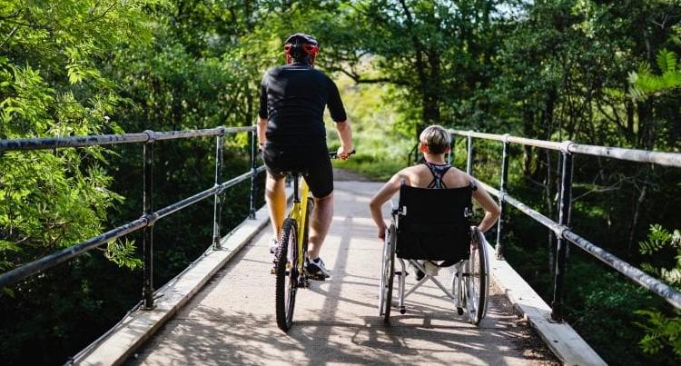 [Buddies] creëert duurzame en gelijkwaardige vriendschappen tussen jongeren mét en zónder een fysieke beperking. afbeelding nieuwsbericht